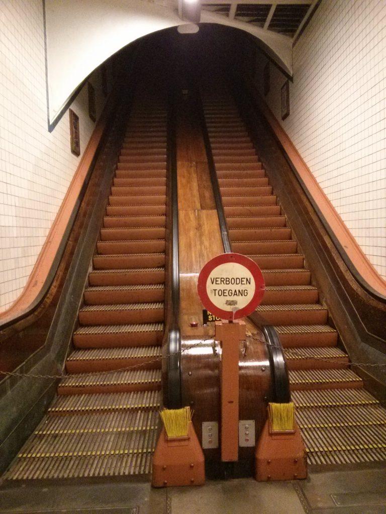 Die alte Rolltreppe im St. Annatunnel